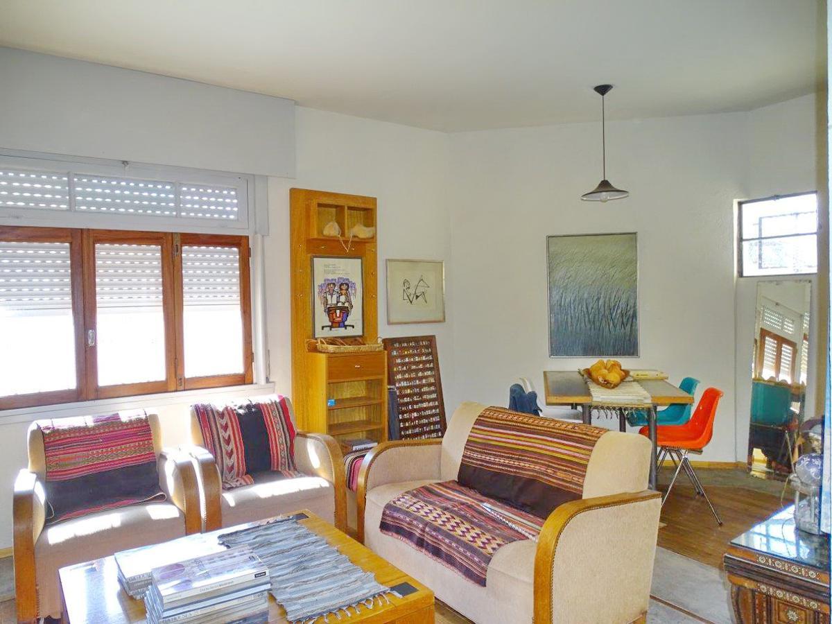 Foto Casa en Venta |  en  Saavedra ,  Capital Federal  Conde al 4700