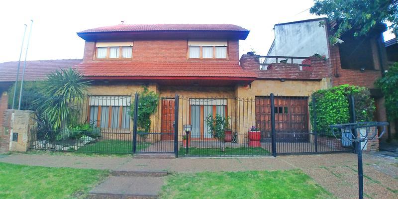 Foto Casa en Venta en  P.Luro,  Mar Del Plata  Don Bosco al 100