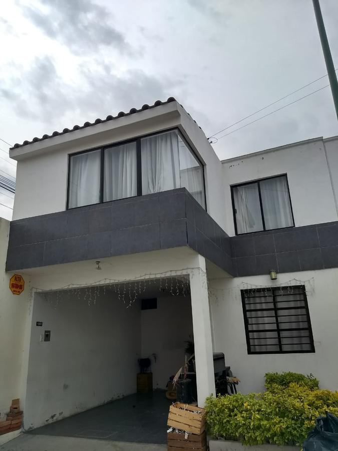 Foto Casa en Venta en  San Luis Potosí ,  San luis Potosí  CASA EN PRIVADA EN PEDRO MORENO, SAN LUIS POTOSI