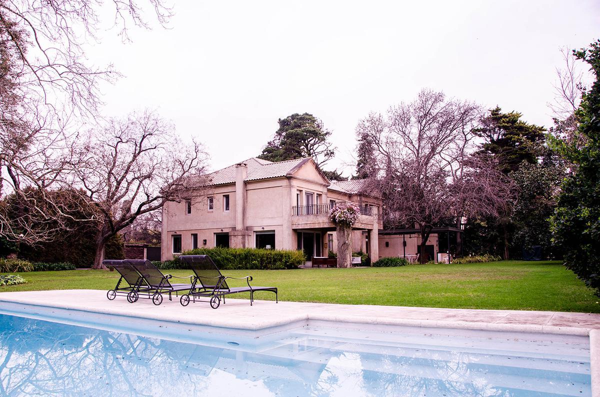 Foto Casa en Venta en  Las Lomas-Horqueta,  Las Lomas de San Isidro  Int. Neyer al 3800