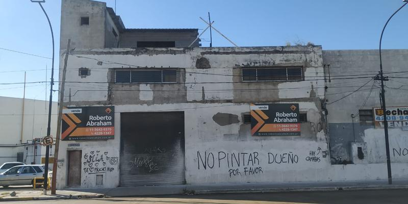 Foto Galpón en Venta en  Valentin Alsina,  Lanús  REMEDIOS DE ESCALADA 3900