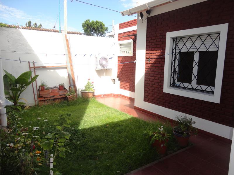 Foto Casa en Venta en  Florida Belgrano-Oeste,  Florida  BOLIVIA al 1400