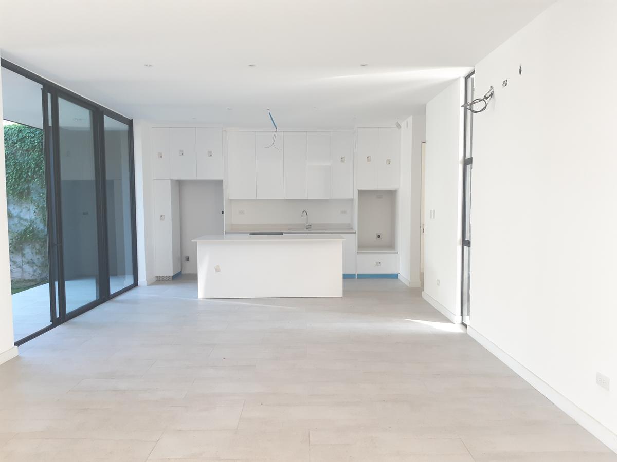 Foto Casa en condominio en Venta en  Santa Ana ,  San José  Una planta/ Nueva/ 3 habitaciones con baño privado