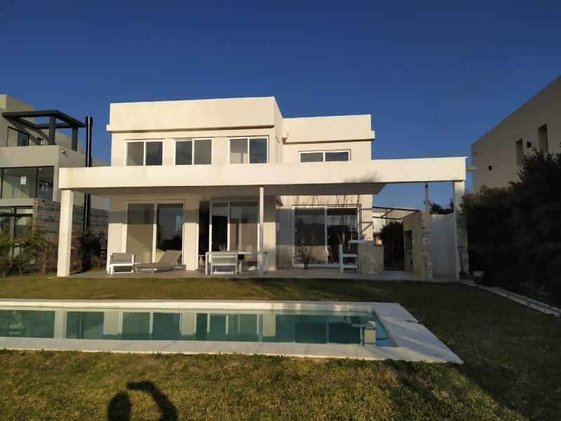 Foto Casa en Venta en  Los Lagos,  Nordelta  Los Lagos 412 al Lago