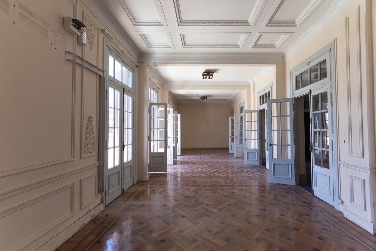 Foto Apartamento en Venta | Alquiler en  Centro (Montevideo),  Montevideo  Av. 18 de Julio frente a Plaza del Entrevero