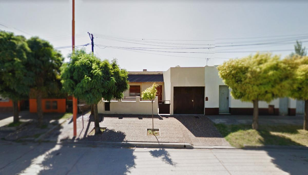 Foto Casa en Venta en  Bahia Blanca ,  Interior Buenos Aires  Berutti al 1700 - Bº Rivadavia