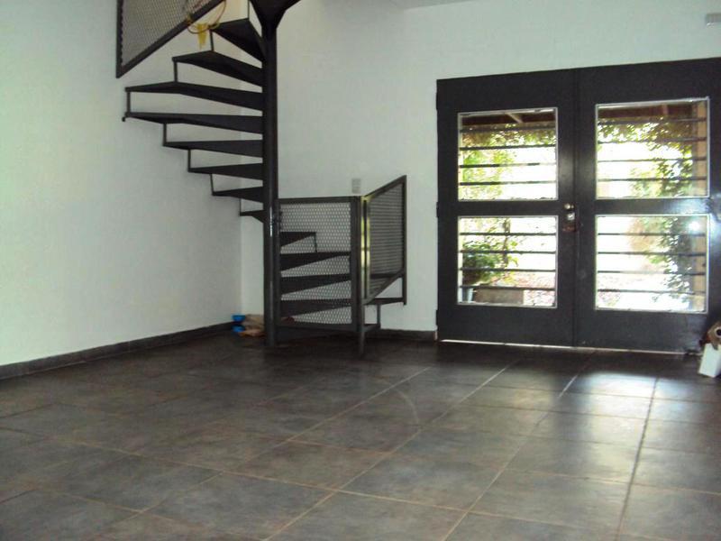 Foto Casa en Venta en  Manuel B Gonnet,  La Plata  485 esquina 18