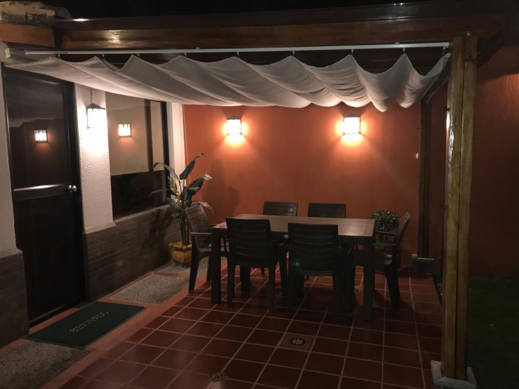 Foto Casa en Venta en  Cumbayá,  Quito  VALLE 1 CUMBAYA