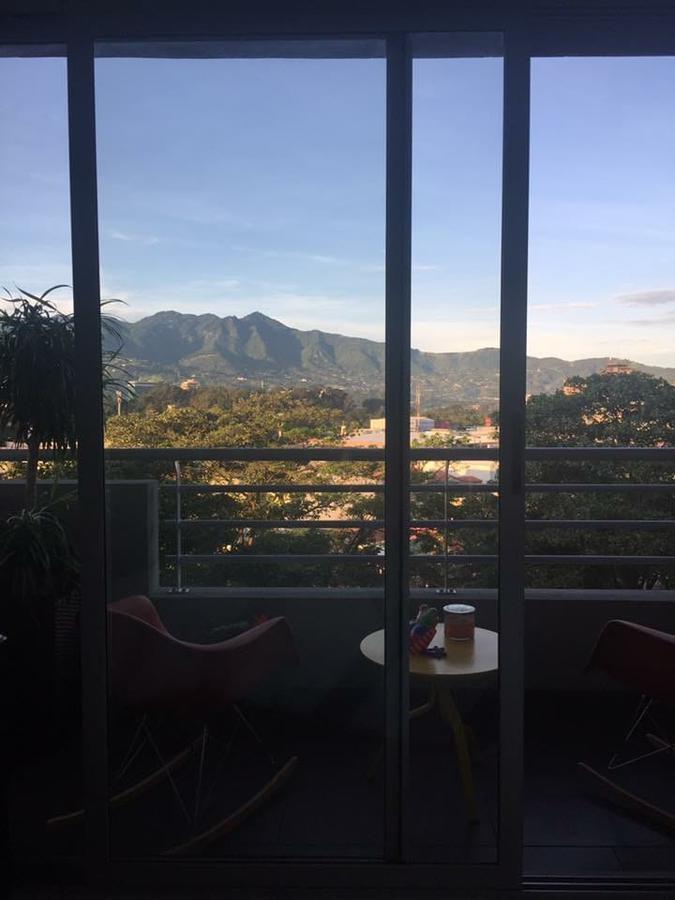Foto Departamento en Renta en  Mata Redonda,  San José  Apartamento en Sabana / Línea blanca / Cuartos amplios