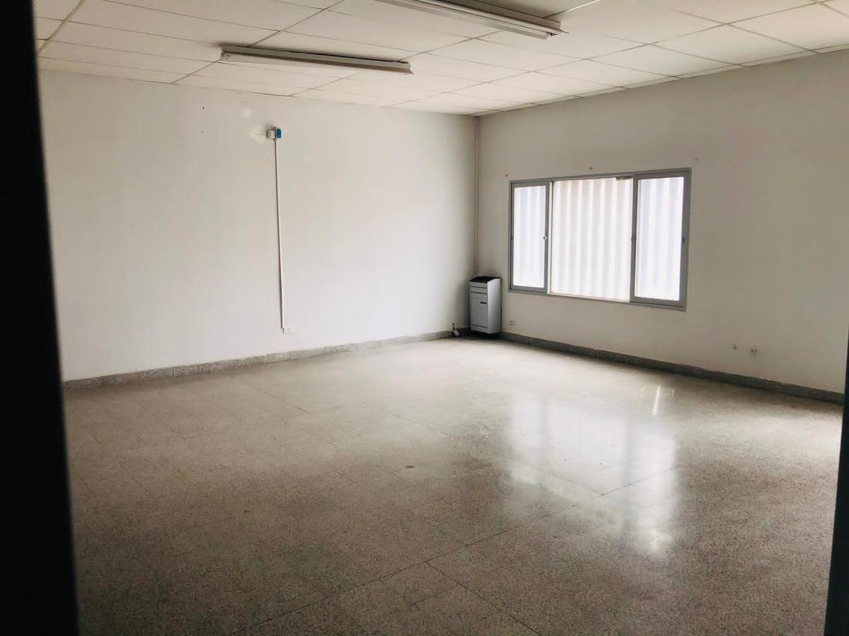 Foto Oficina en Alquiler en  Área Centro Este ,  Capital  Perito Moreno al 300. Local para Oficinas en Alquiler