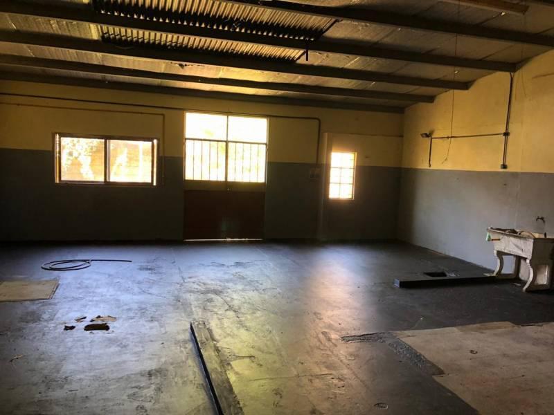 Foto Galpón en Venta en  Villa Lynch,  General San Martin  Azcuenaga al 4200