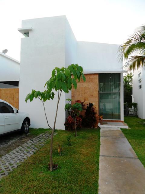 Foto Casa en Renta en  Solidaridad ,  Quintana Roo   Casa 3 Recamaras Rioja Playacar en Renta