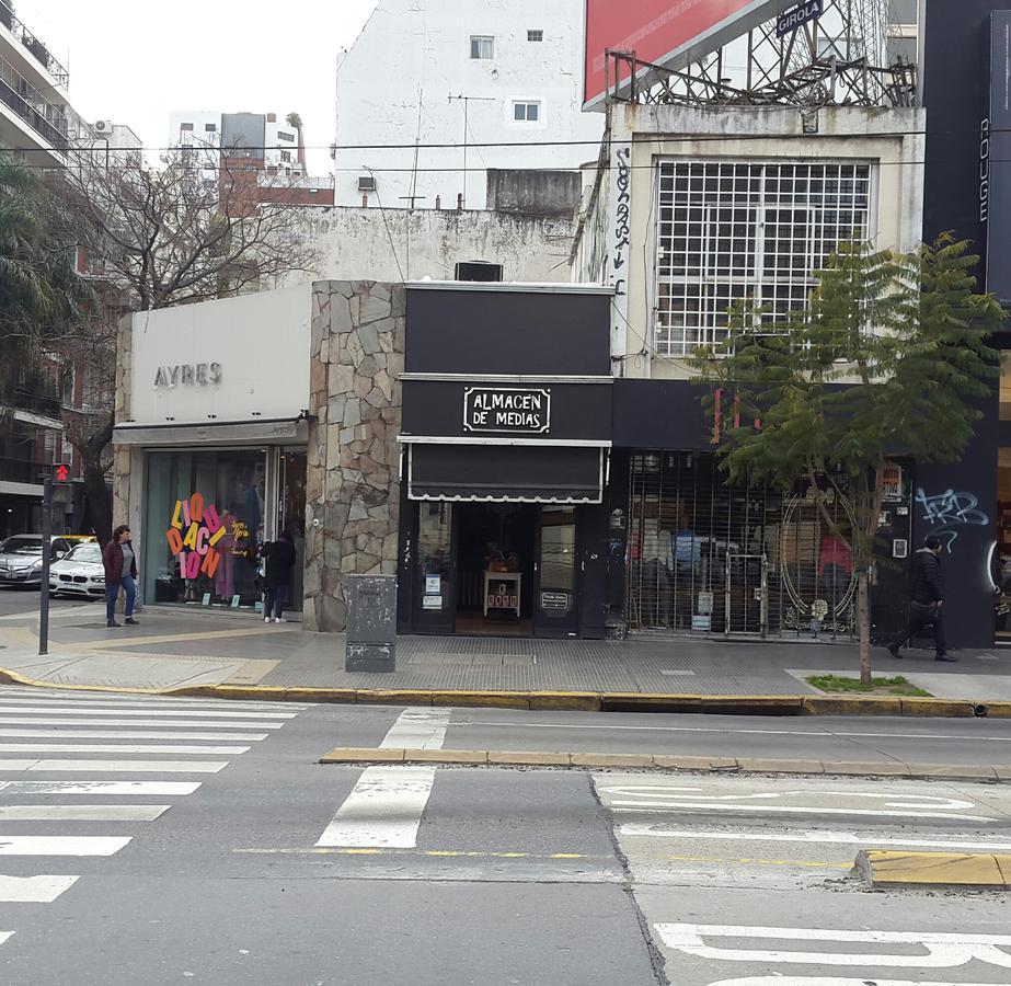 Foto Local en Alquiler en  Belgrano ,  Capital Federal  Av. Cabildo al 1800