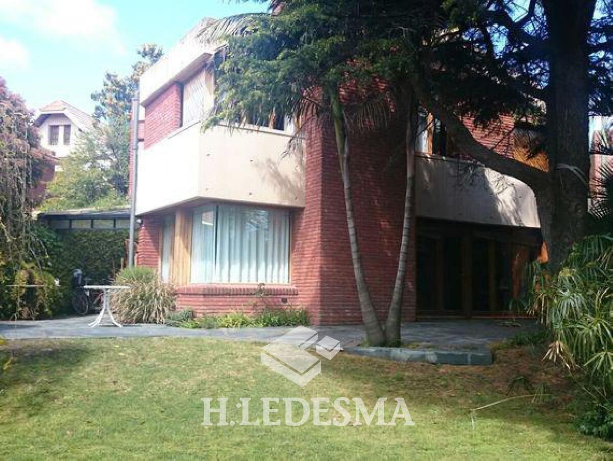 Foto Casa en Venta en  Divino Rostro,  Mar Del Plata  FORMOSA 1800