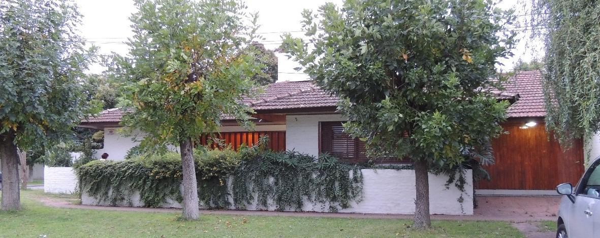 Foto Casa en Venta en  La Plata,  La Plata  137 esq 46