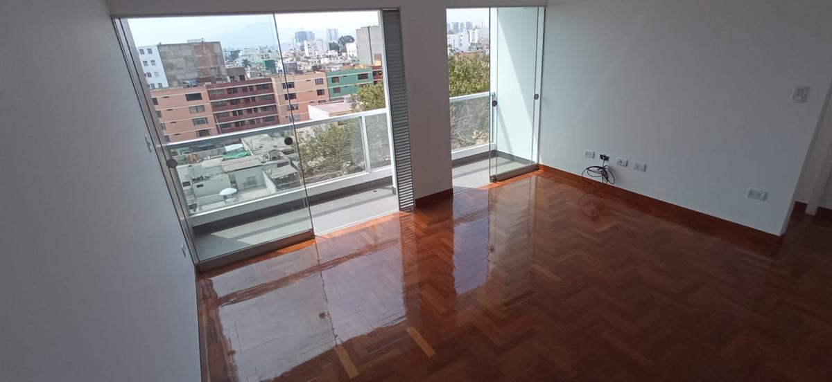 Foto Departamento en Alquiler en  Pueblo Libre,  Lima  Av Cipriano Dulanto