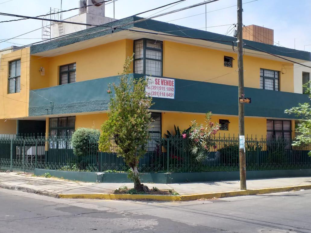 Foto Casa en Venta en  Jardinadas,  Zamora  Casa en Excelente Ubicación