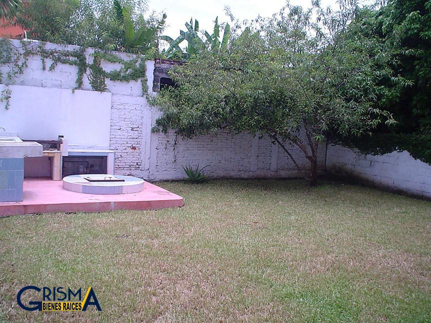 Foto Casa en Renta en  Jardines de Tuxpan,  Tuxpan  CASA AMUEBLADA ZONA RESIDENCIAL