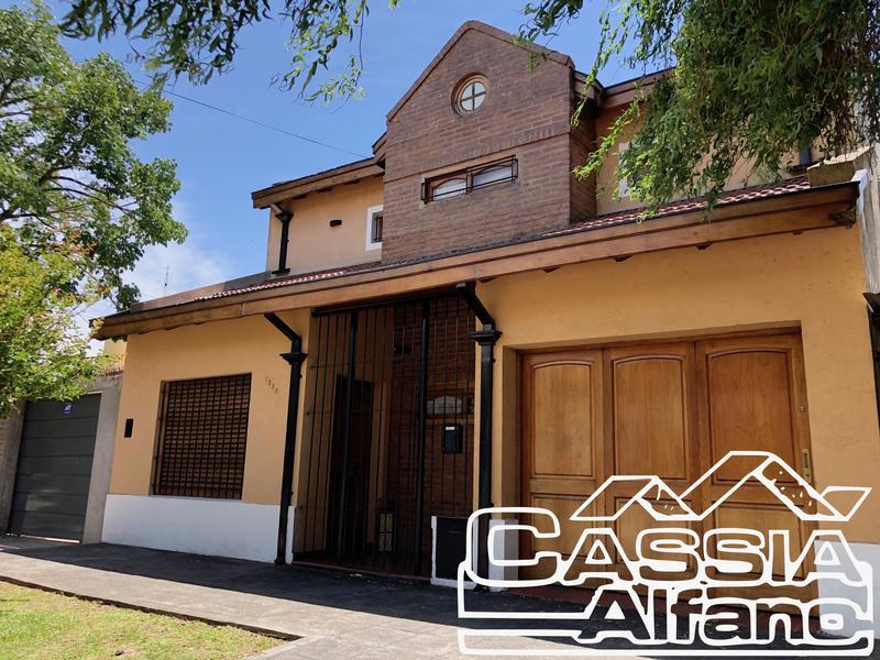 Foto Casa en Venta en  Lomas de Zamora Este,  Lomas De Zamora  LAMADRID 1330