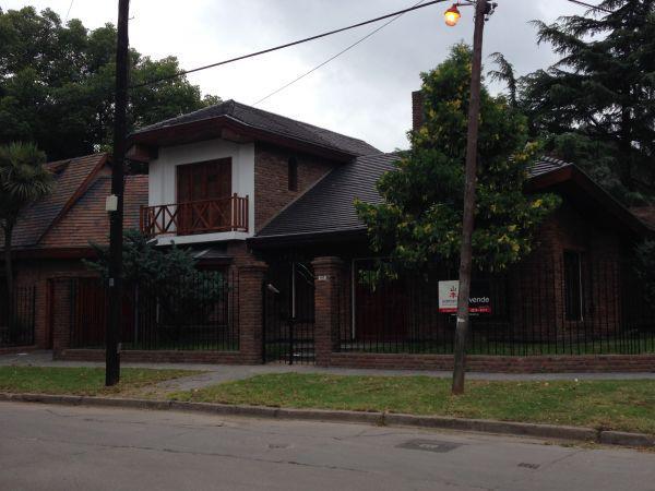 Foto Casa en Venta en  Adrogue,  Almirante Brown  Jorge esquina Carlos Pellegrini