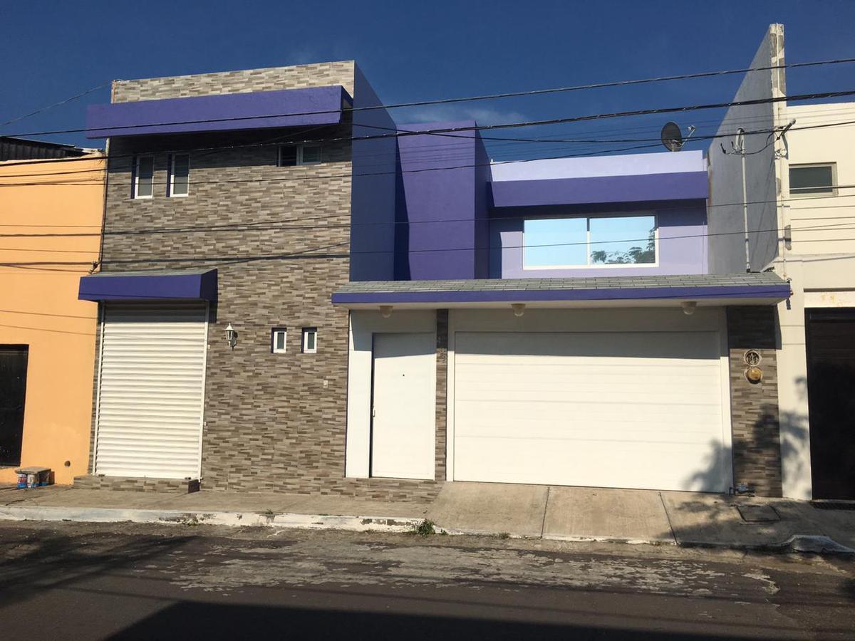 Foto Casa en Venta en  Graciano Sánchez Romo,  Boca del Río  CASA EN VENTA CLIMATIZADA COLONIA GRACIANO SANCHEZ BOCA DEL RÍO VERACRUZ