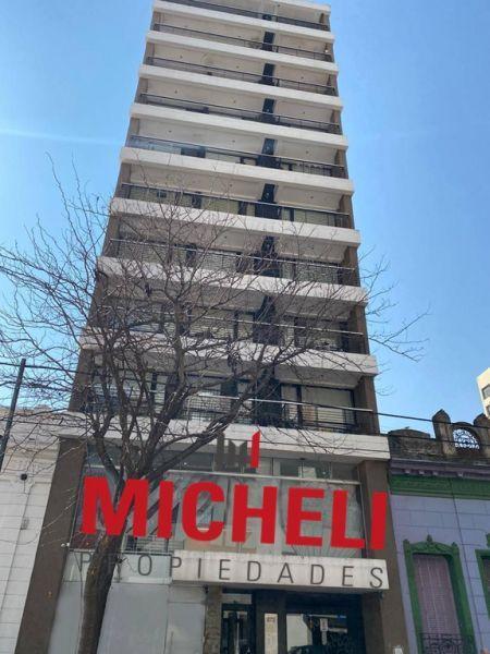 Foto Local en Alquiler en  La Plata,  La Plata  12 Entre 45 y 46