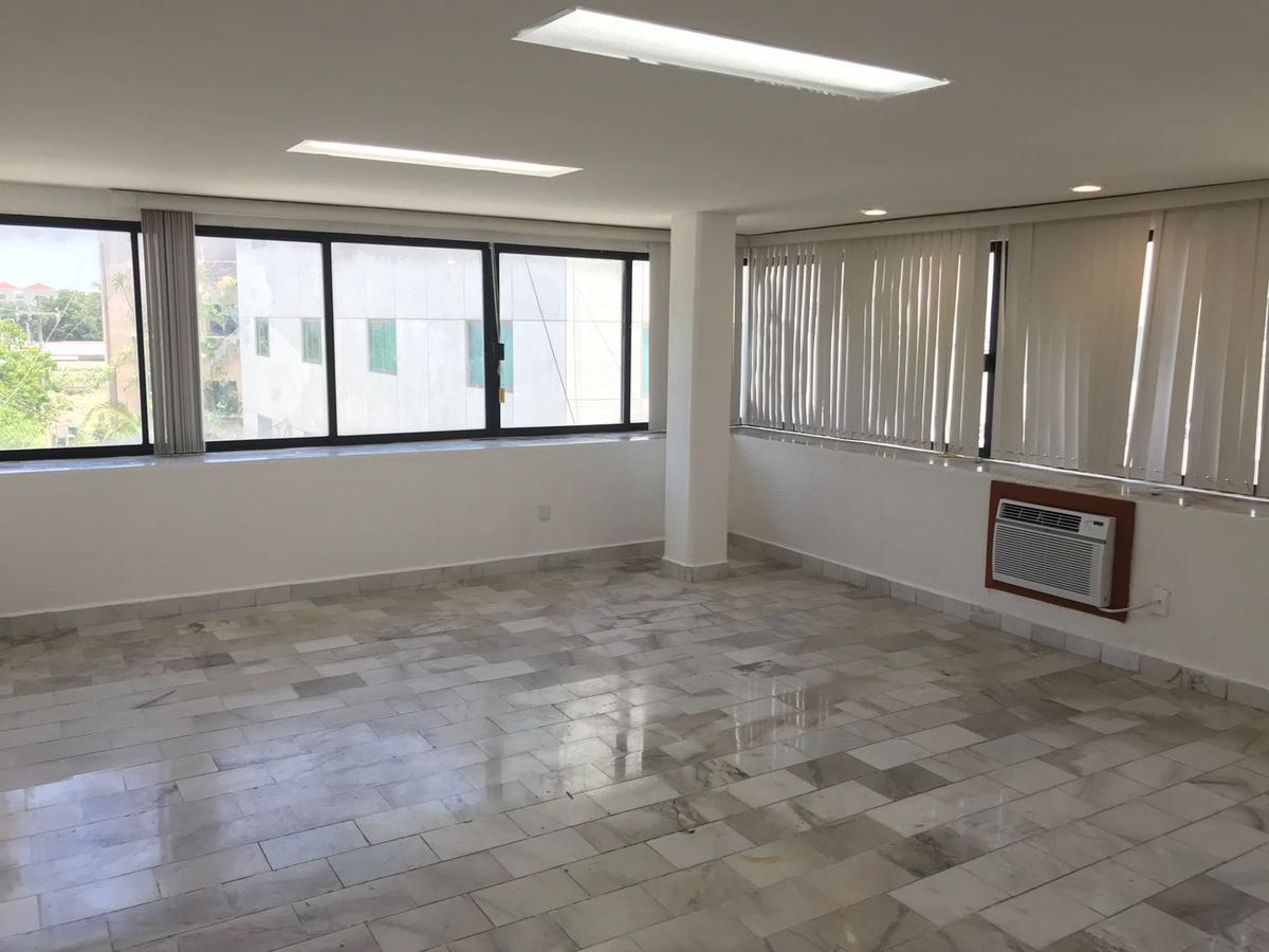 Foto Oficina en Renta en  Supermanzana 2 Centro,  Cancún  OFICINA en RENTA - Cancun