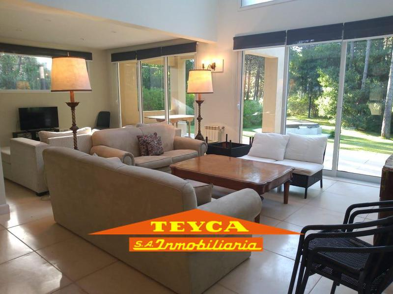 Foto Casa en Venta en  Pinamar ,  Costa Atlantica  Penelope 4190