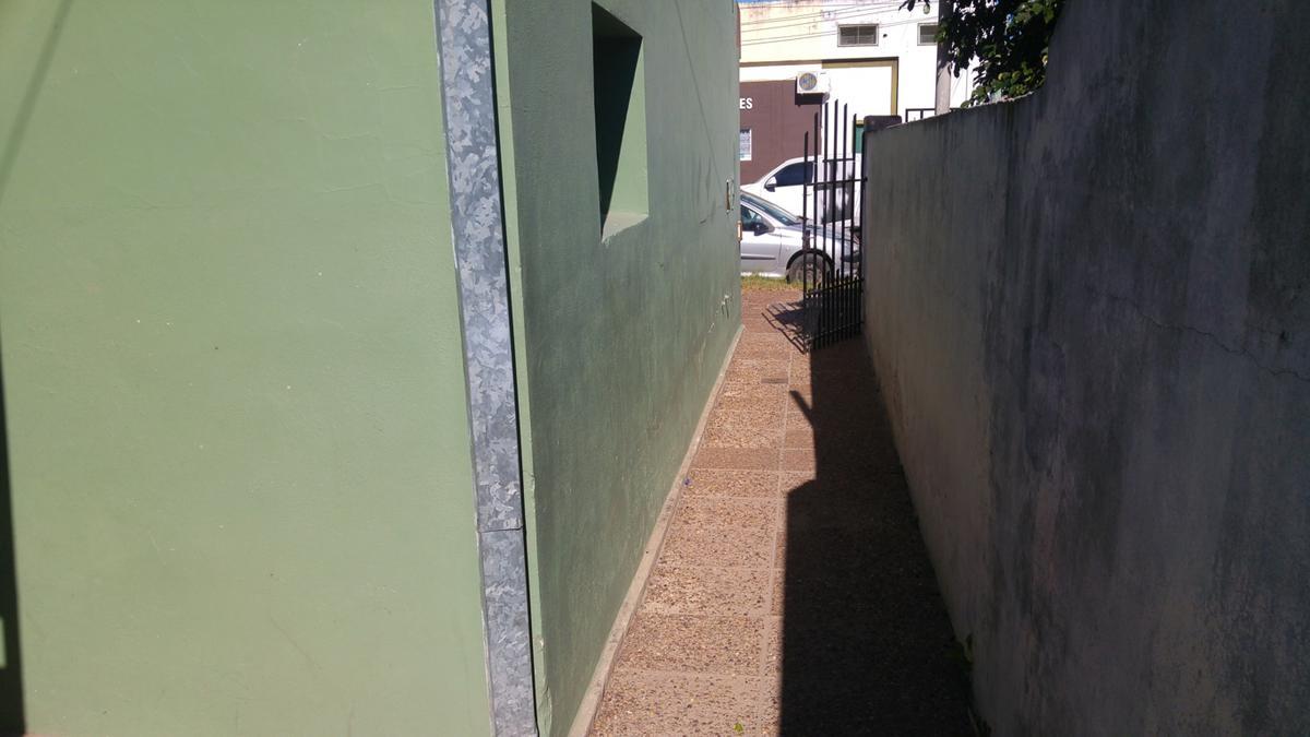 Foto PH en Venta en  Santo Tomé  ,  Santa Fe  SAN MARTIN al 2600  3 LOCALES Y 3 DEPARTAMENTOS