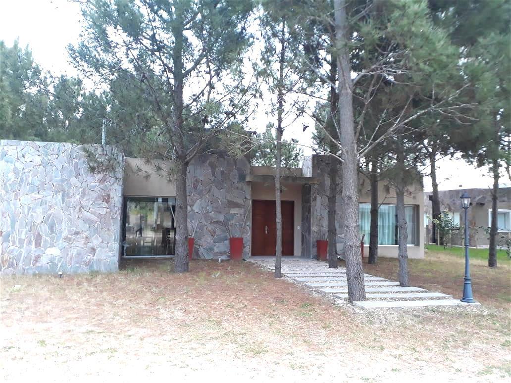 Foto Casa en Alquiler temporario en  Costa Esmeralda,  Punta Medanos  Residencial I 154