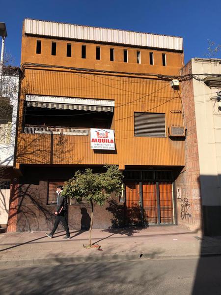 Foto Casa en Alquiler en  Barrio Sur,  San Miguel De Tucumán  Las Piedras al 800