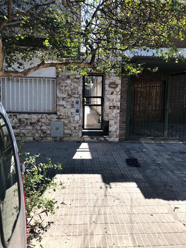 Foto Casa en Venta en  Rosario,  Rosario  Colón al 2400