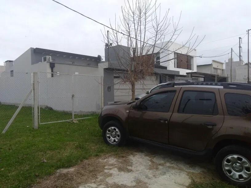 Foto Terreno en Venta en  Lisandro Olmos Etcheverry,  La Plata  Lisandro Olmos Etcheverry