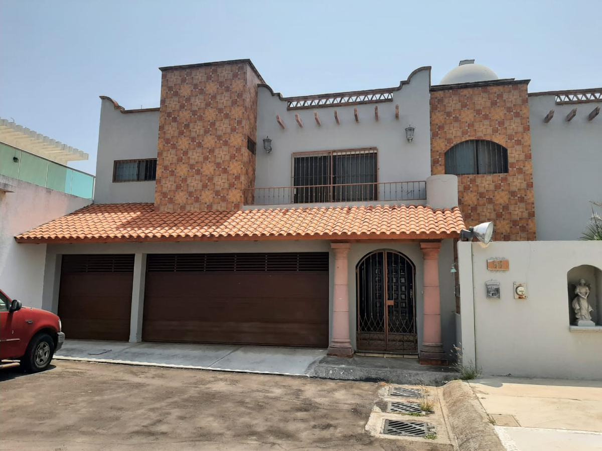 Foto Casa en Venta en  Alvarado ,  Veracruz  CUENTA CON  TERRAZA Y BALCÓN, LOMAS RECIDENCIAL