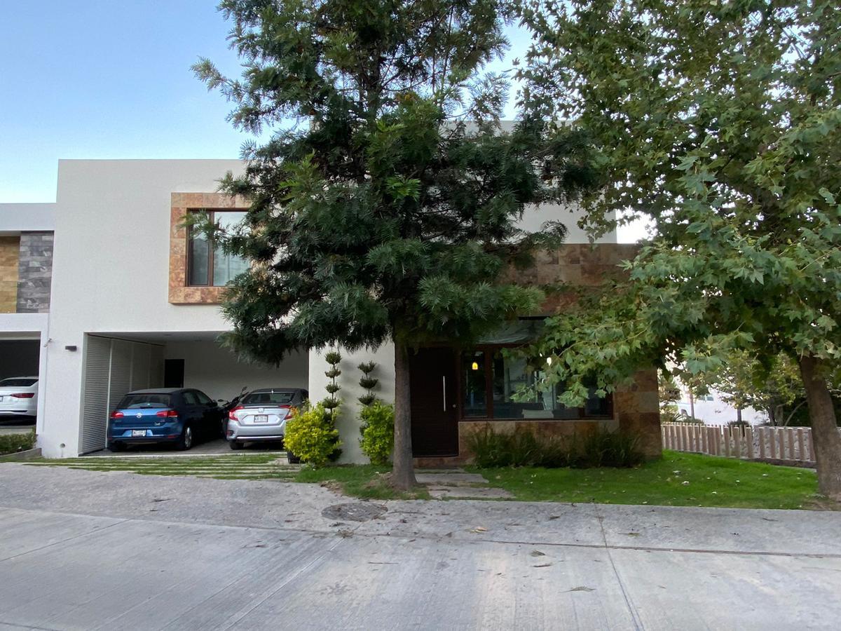 Foto Casa en Venta en  San Luis Potosí ,  San luis Potosí  HERMOSA CASA EN VENTA EN PRIVADAS DEL PEDREGAL II, SAN LUIS POTOSI