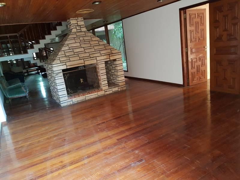 Foto Casa en Venta en  La Plata,  La Plata  5 al 1200