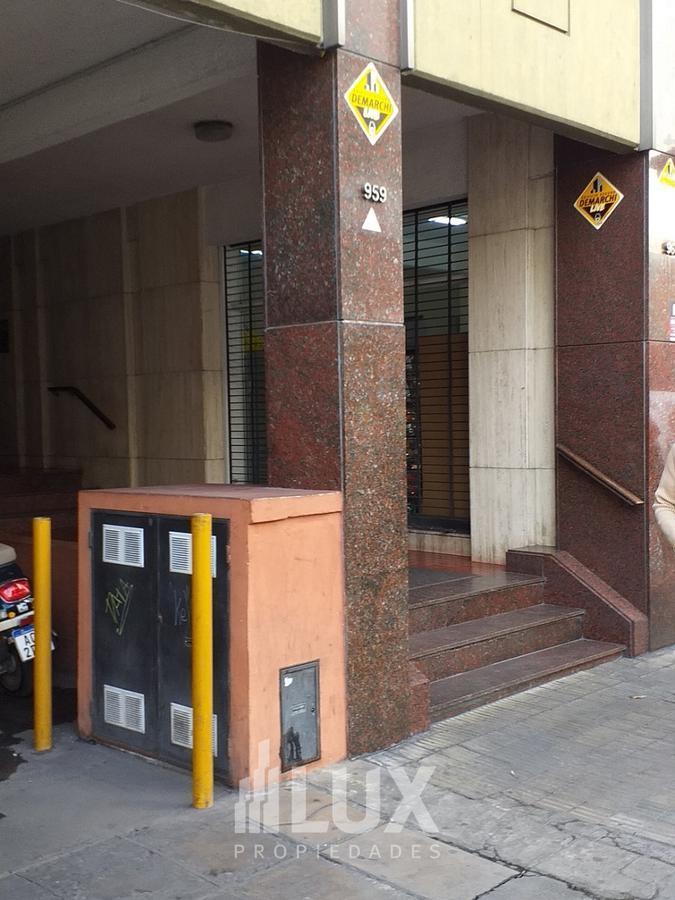 Cochera en venta, posibilidad de tomar rodados como parte de pago - Microcentro Rosario