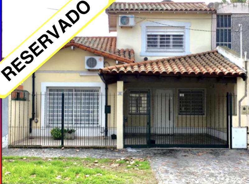 Foto Casa en Venta    en  Lomas De Zamora,  Lomas De Zamora  LARREA 839