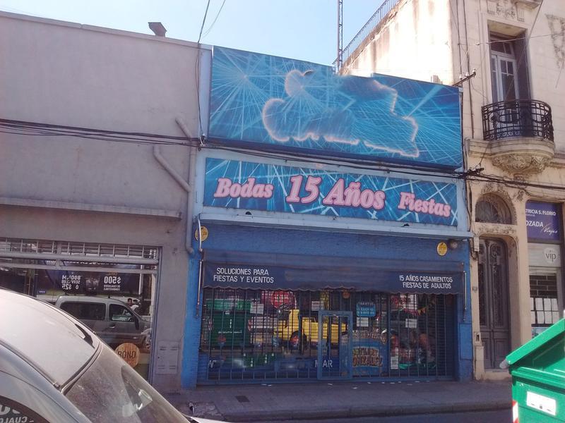 Foto Local en Alquiler en  Centro,  Rosario  Sarmiento al 1000