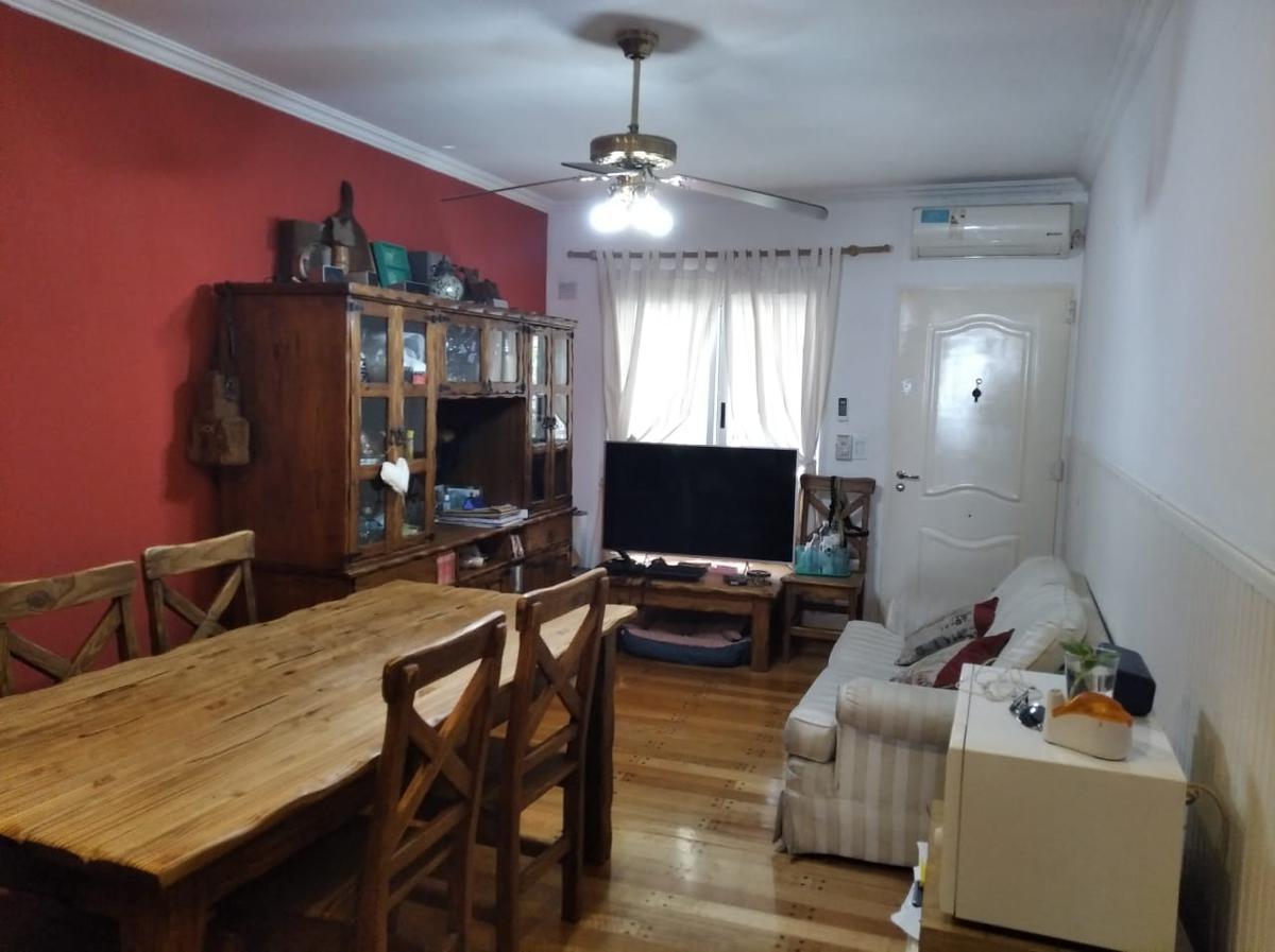 Foto Casa en Venta en  Olivos-Maipu/Uzal,  Olivos  D. F. SARMIENTO al 3900