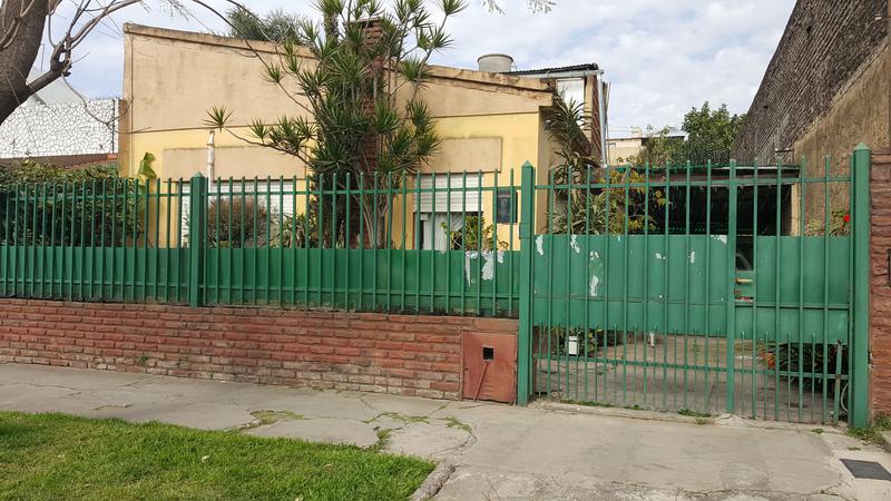 Foto Casa en Venta en  Villa Luzuriaga,  La Matanza  Carrasco 83. Villa Luzuriaga