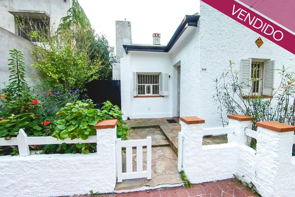 Foto Casa en Venta en  Alberdi,  Rosario  Castagnino al 300