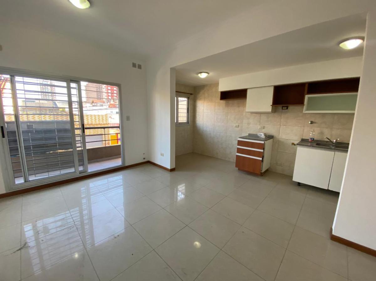 Foto Departamento en Alquiler en  Wilde,  Avellaneda  Zeballos al 6200