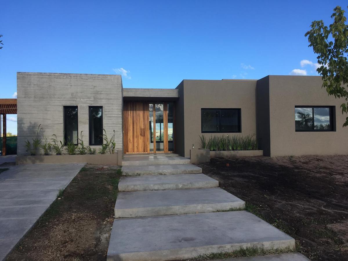 Foto Casa en Venta en  El Canton,  Countries/B.Cerrado (Escobar)  Barrio Puerto 121