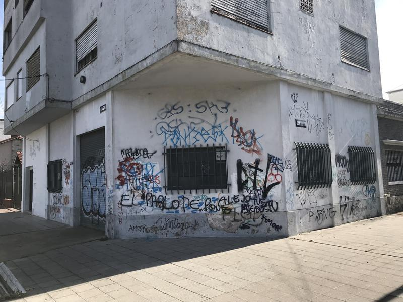 Foto Depósito en Alquiler en  Lomas de Zamora Oeste,  Lomas De Zamora  PASO 701
