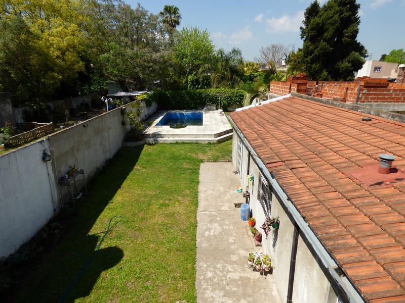 Foto Casa en Venta en  Temperley Este,  Temperley  Esmeralda 1135