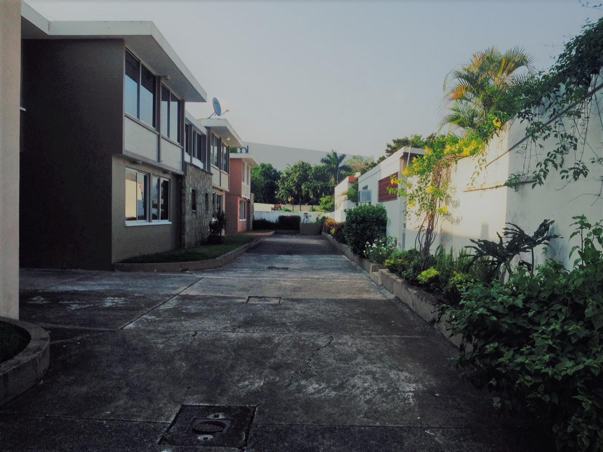 Foto Casa en Renta en  Jardines de Tuxpan,  Tuxpan  CASA EN RENTA  EN  PRIVADA  COL.  JARDINES