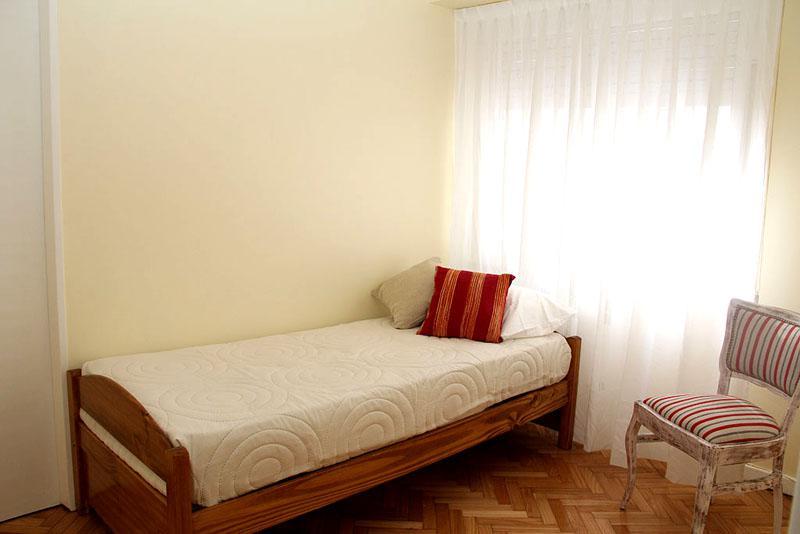 Foto Departamento en Alquiler temporario en  Recoleta ,  Capital Federal  SANTA FE AV. entre URIBURU y AZCUENAGA