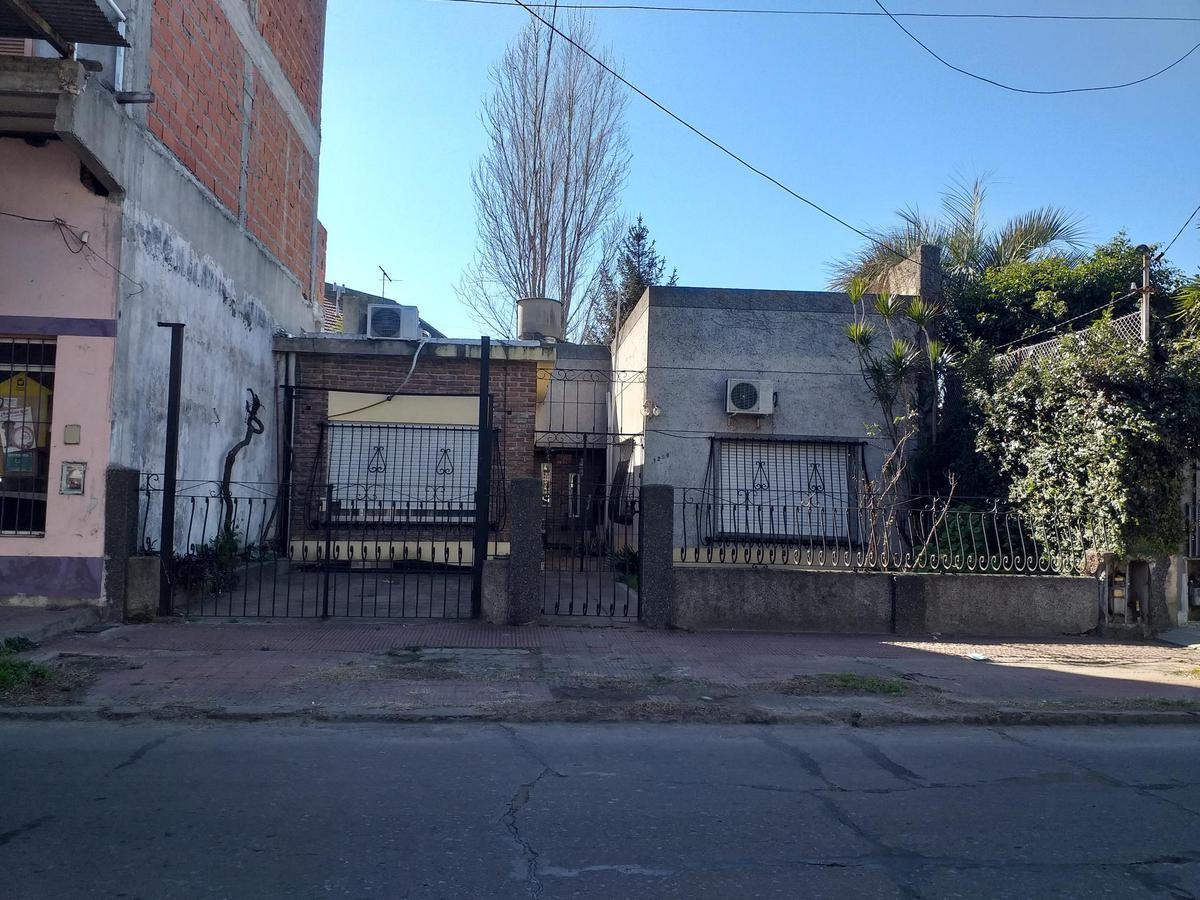 Foto Casa en Venta en  Ramos Mejia Sur,  Ramos Mejia  Brandsen al 1200