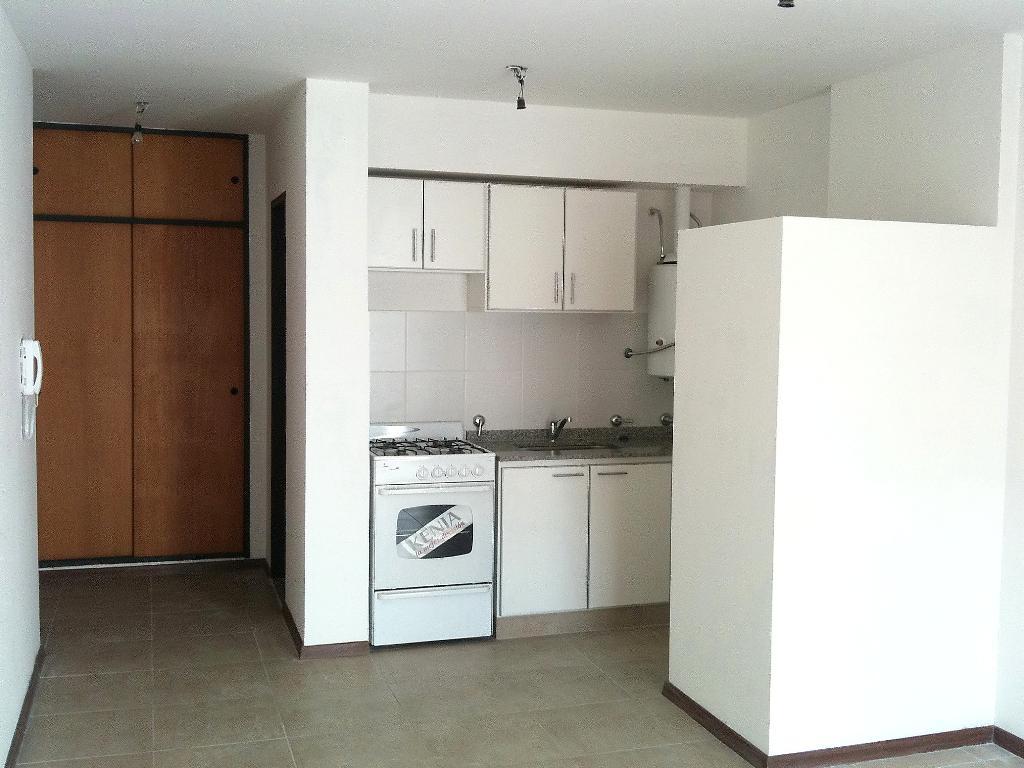 Foto Departamento en Venta en  Macrocentro,  Rosario  Ovidio Lagos 925